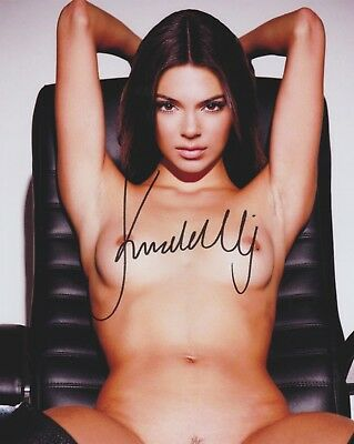 Kendall Jenner Kardashian  Candid  No Bra Rare   Very Sexy Signed Rp 8X10 Wow