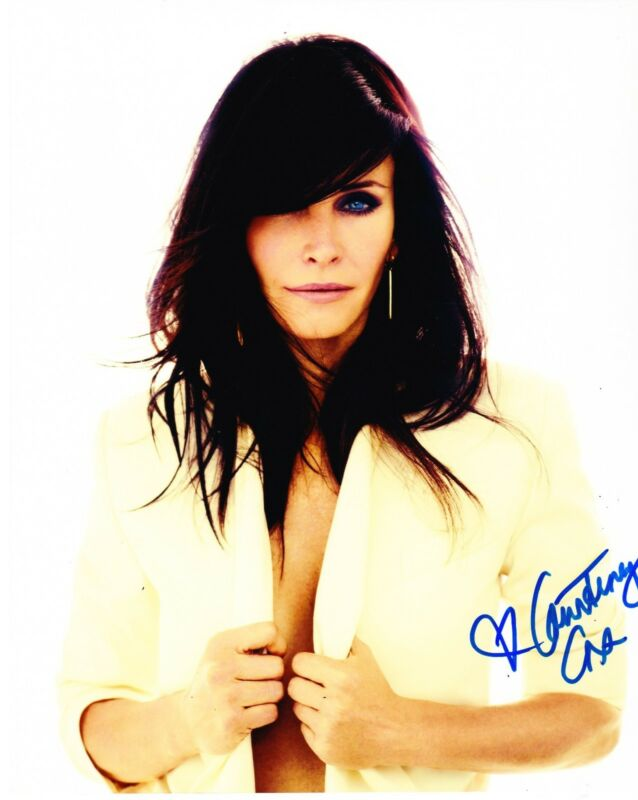 COURTENEY COX SIGNED 8X10 PHOTO AUTHENTIC AUTOGRAPH FRIENDS COUGAR TOWN COA D