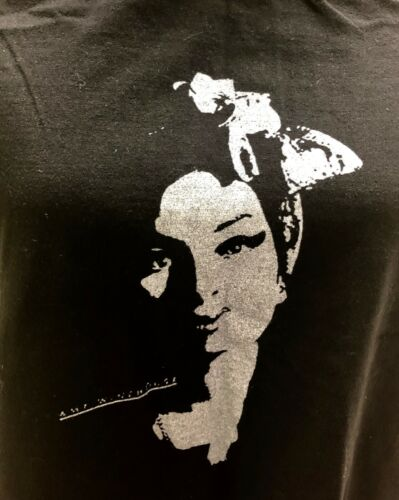 Amy Winehouse Graphic Tee Size Small Black