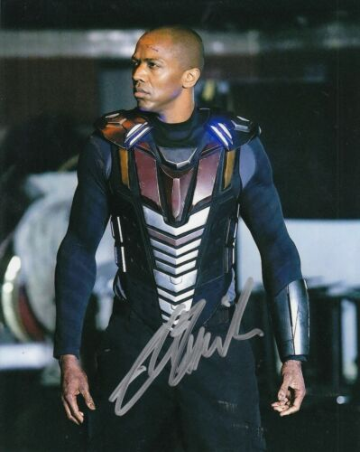 J.AUGUST RICHARDS signed (AGENTS OF S.H.I.E.L.D.) 8X10 Mike Peterson W/COA #1