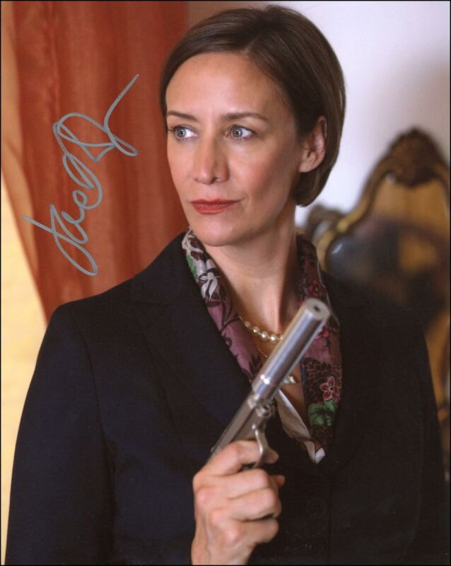 """Janet McTeer """"Cat Run"""" AUTOGRAPH Signed 8x10 Photo"""