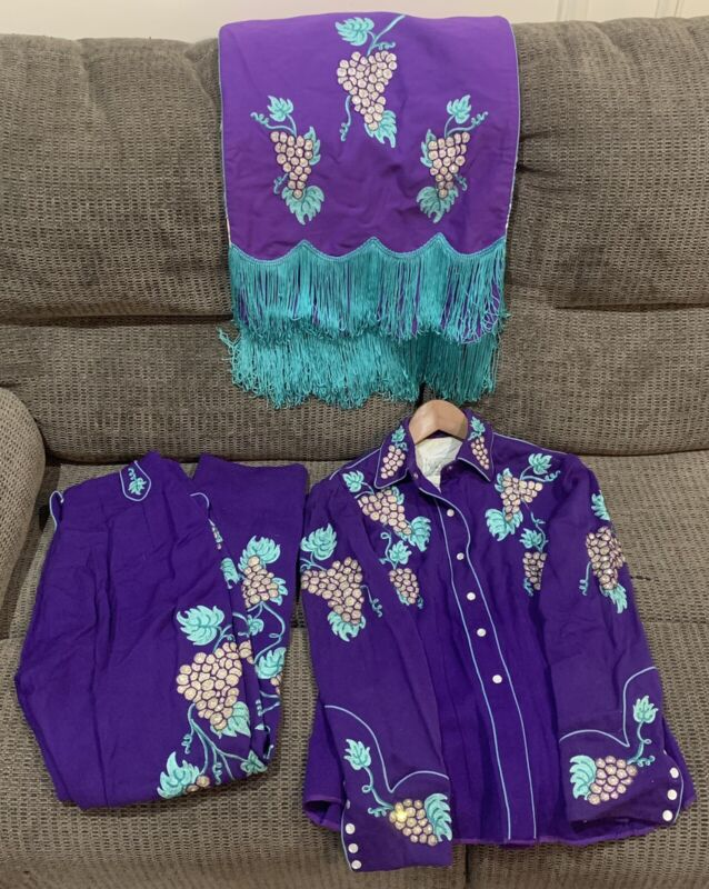 *RARE* Vintage Viola Grae Embroidered Western Outfit and Saddle Drape