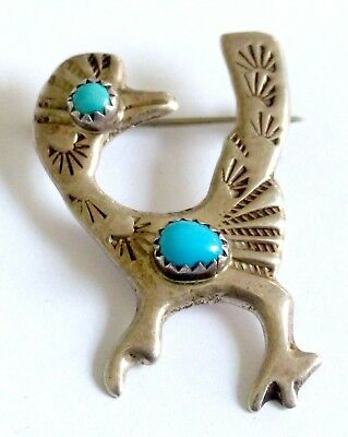 A VINTAGE 1980s SILVER STYLISED BIRD BROOCH -CARTOON ROAD RUNNER? WITH TURQUOISE