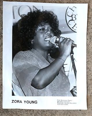 CHICAGO BLUES PUBLICITY PHOTO: ZORA YOUNG 8x10 black & white glossy