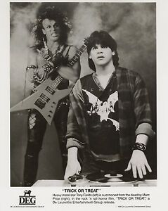 TRICK OR TREAT ~ PRESS PHOTOGRAPH 1986 ~ MINT Cond. Feat. GENE SIMMONS & OZZY!