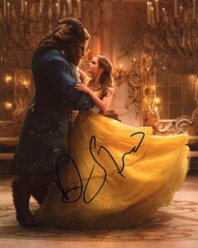 "Dan Stevens ""Beauty and the Beast""' AUTOGRAPH Signed 8x10 Photo E ACOA"