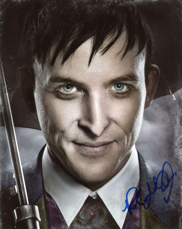 "Robin Taylor ""Gotham"" AUTOGRAPH Signed 8x10 Photo D"
