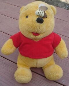 1994-Mattel-amp-Walt-Disney-Co-13-034-Plush-Winnie-The-Pooh-Bee-on-Nose-Very-Good