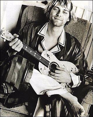 Nirvana Kurt Cobain 8 x 11 b/w pin-up photo ready to frame
