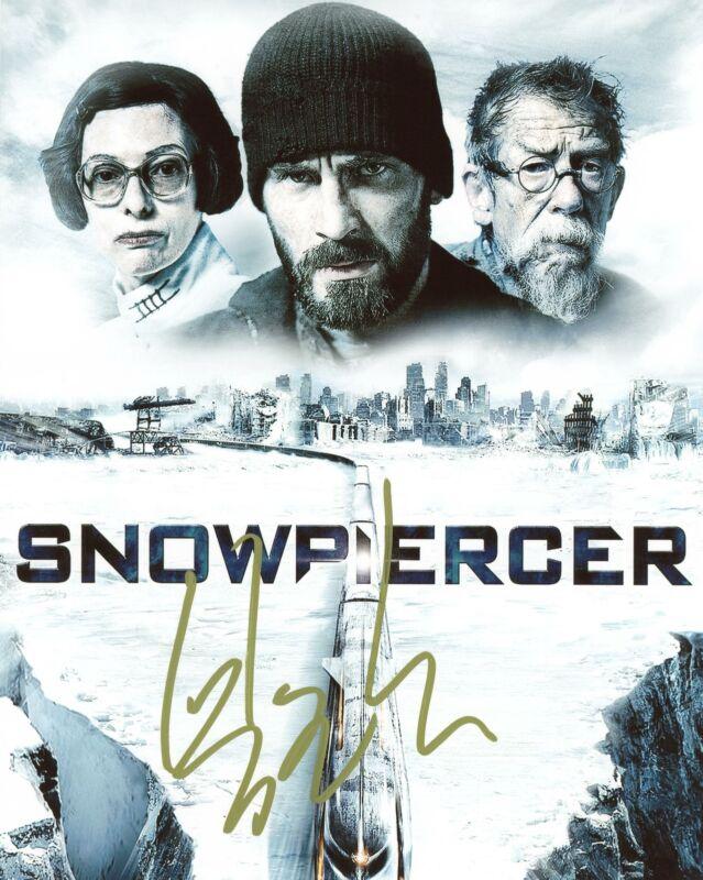 "Bong Joon-ho ""Snowpiercer"" Director AUTOGRAPH Signed 8x10 Photo ACOA"