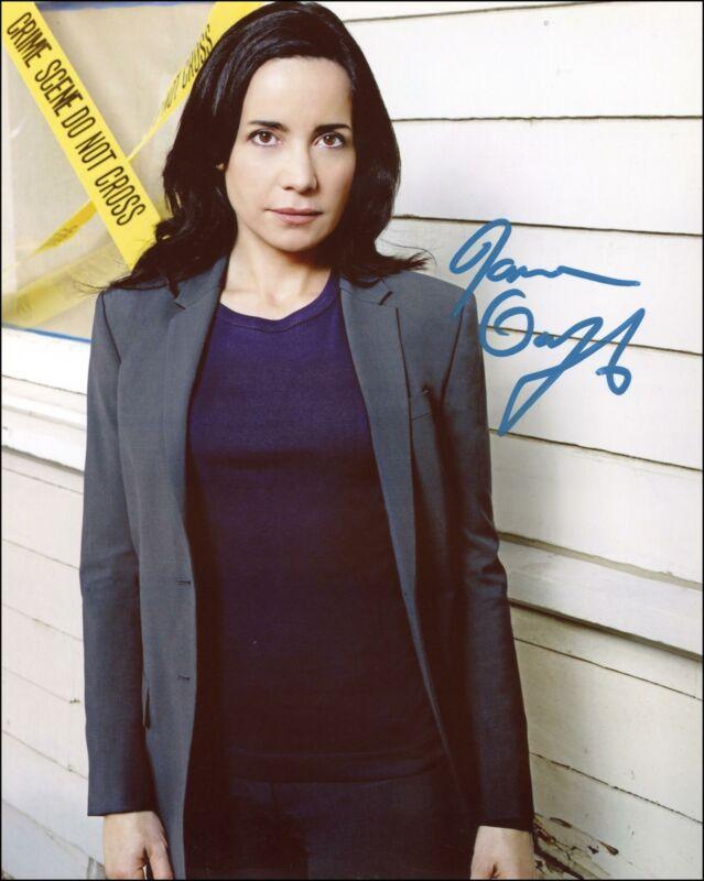 """Janeane Garofalo """"Criminal Minds: Suspect Behavior"""" SIGNED 8x10 Photo B ACOA"""