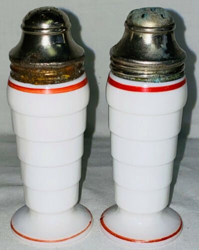 "Hazel Atlas MODERNTONE PLATONITE WHITE W/RED STRIPE*4 1/4"" SALT & PEPPER SHAKERS"