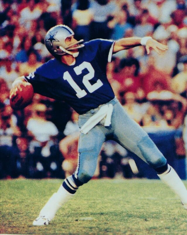 Roger Staubach Throwing The Ball 8x10 Photo Print