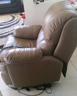 Electronic adjustable recliner