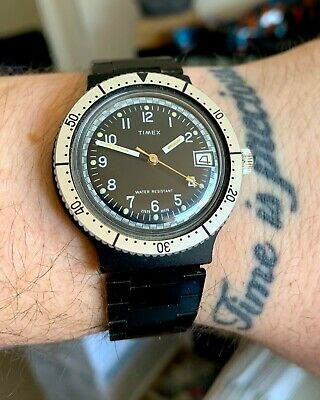 • • Vintage TIMEX Skin Diver Date Mechanical 38mm PVD Watch + Original Strap • •