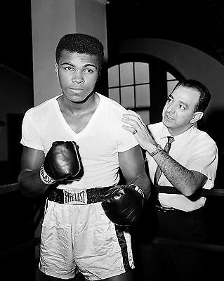 "Muhammad Ali 10"" x 8"" Photograph no 10"