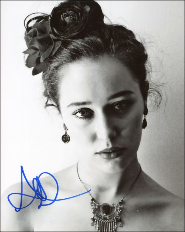 "Alycia Debnam-Carey ""Fear the Walking Dead"" AUTOGRAPH Signed 8x10 Photo B ACOA"