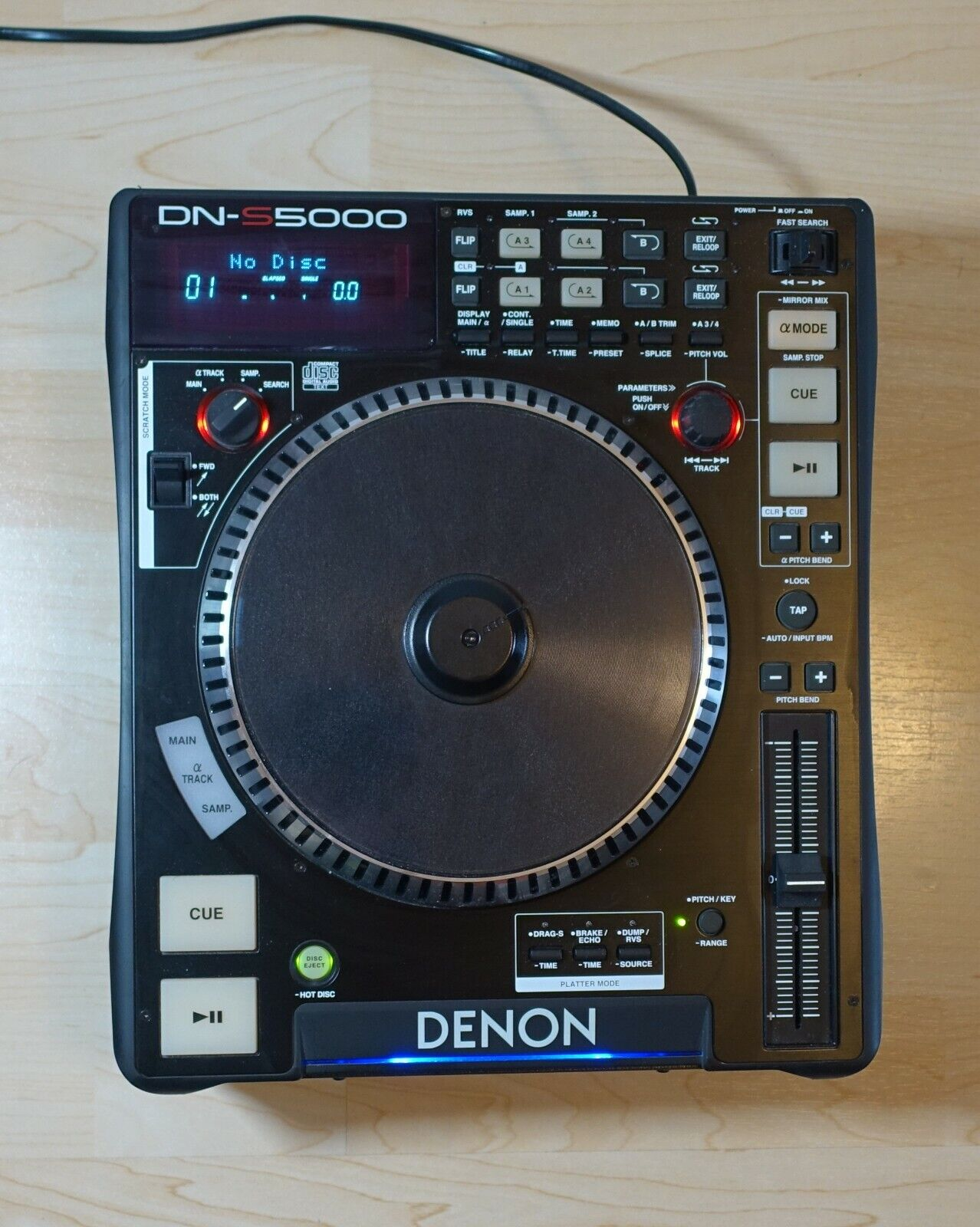 Dennon DN-S5000 CD Player Portable DJ Equipment Top