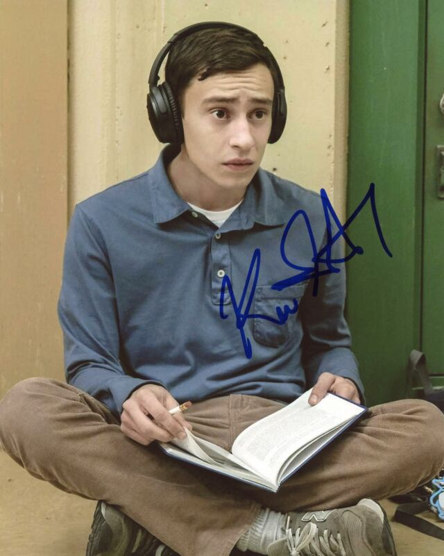 "Keir Gilchrist ""Atypical"" AUTOGRAPH Signed 'Sam Gardner' 8x10 Photo ACOA"