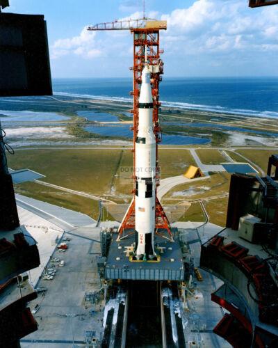 APOLLO 4 SATURN V ARRIVES AT LAUNCH COMPLEX 39 - 8X10 NASA PHOTO (EP-530)
