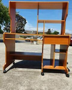 D15💥 STUDY TABLE/ DESK IN PERFECT CONDITION - Delivery with extra