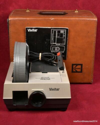 Vivitar 3000 AF Carousel/Tray Slide Projector w Lens Carousel & Case TESTED