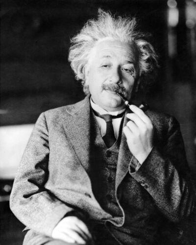 Albert Einstein 8 x 10 / 8x10 Glossy Photo Picture