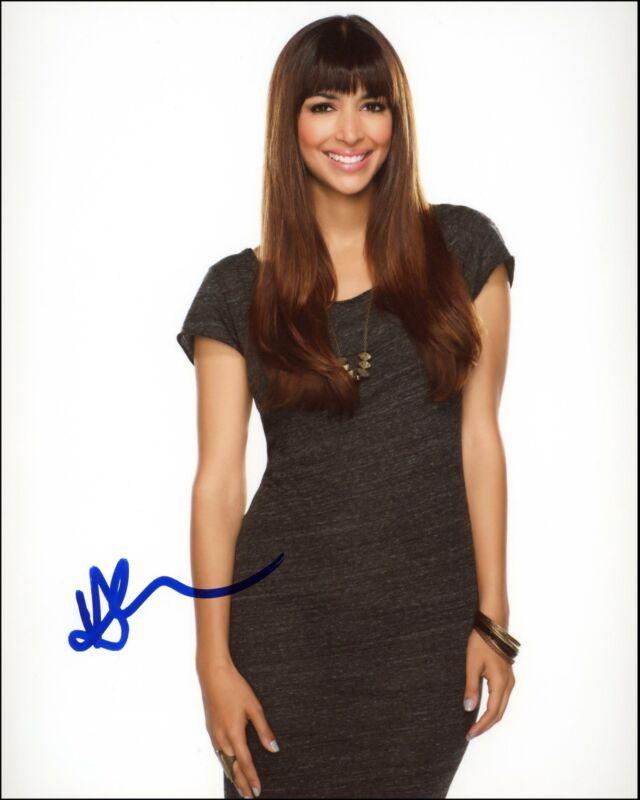 """Hannah Simone """"New Girl"""" AUTOGRAPH Signed 8x10 Photo"""