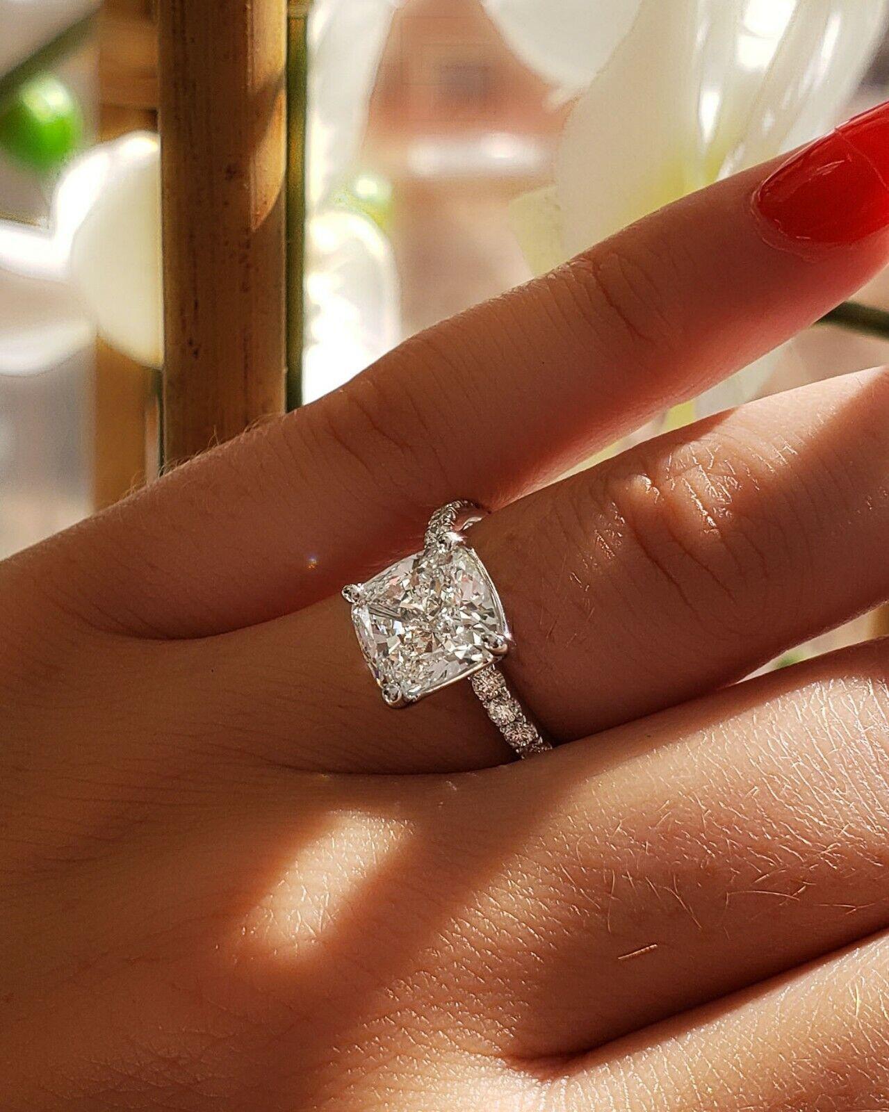 Dazzling 2.10 Ct. Cushion Cut Diamond Engagement Ring Bridal Set GIA Certified 2