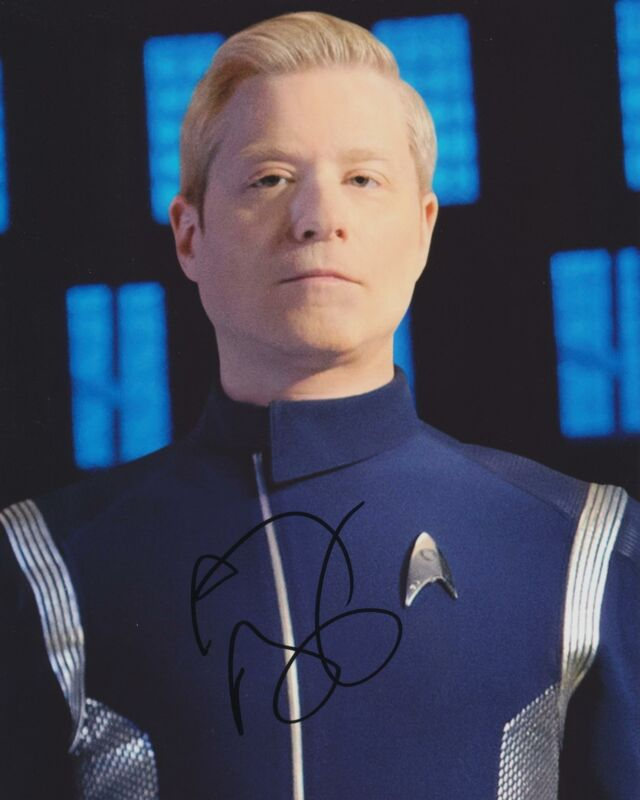ANTHONY RAPP SIGNED STAR TREK DISCOVERY 8X10 PHOTO 2