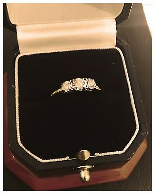 Ladies 3 Stone Diamond Ring! 10K Yg + Wg Heads!