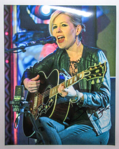 *Life For Rent* Dido Signed Concert 8x10 Photo COA Armstrong Eminem White Flag E