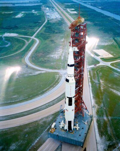 APOLLO 12 MOVES FROM VEHICLE ASSEMBLY BUILDING TO PAD - 8X10 NASA PHOTO (ZZ-871)
