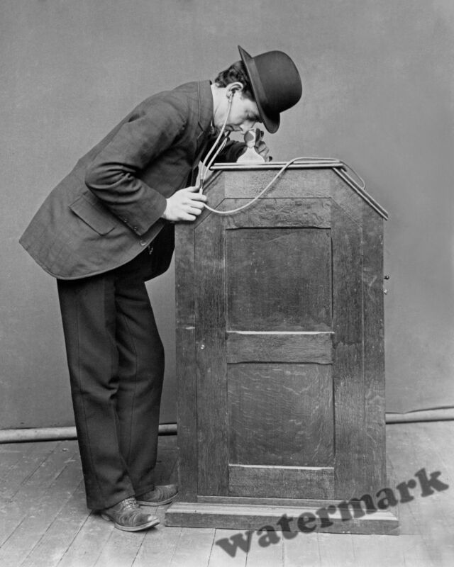 Historical Photograph of the Thomas Edison Kinetoscope  -  Year 1895   8x10