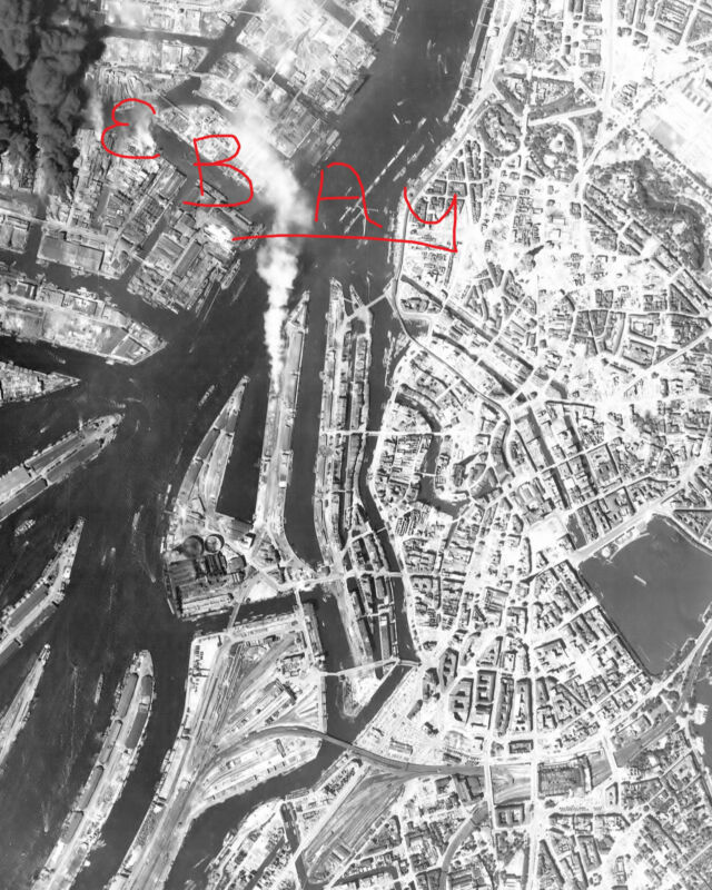 WWII HUGE 11X14 AERIAL RECON PHOTO 8TH USAAF BOMBING HAMBURG GERMANY PORT 6/1944