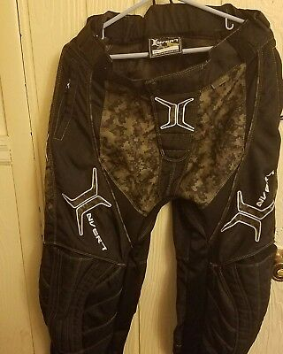 INVERT PAINTBALL EMBROIDER PANTS BLACK W/CAMOUFLAGE ACCENTS MENS SIZE Med 30-36