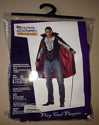 Men's Very Cool Vampire Costume Size Medium $44.99 Halloween - Cool Halloween Costumes Men