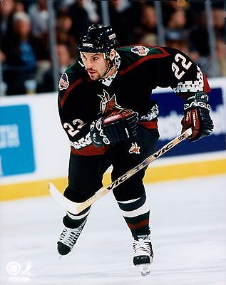 Rick Tocchet Phoenix Coyotes Licensed Unsigned Glossy 8x10 Photo NHL -
