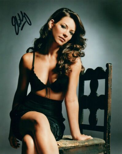 Evangeline Lilly Autographed 8 x 10 Glossy Photo Reproduction