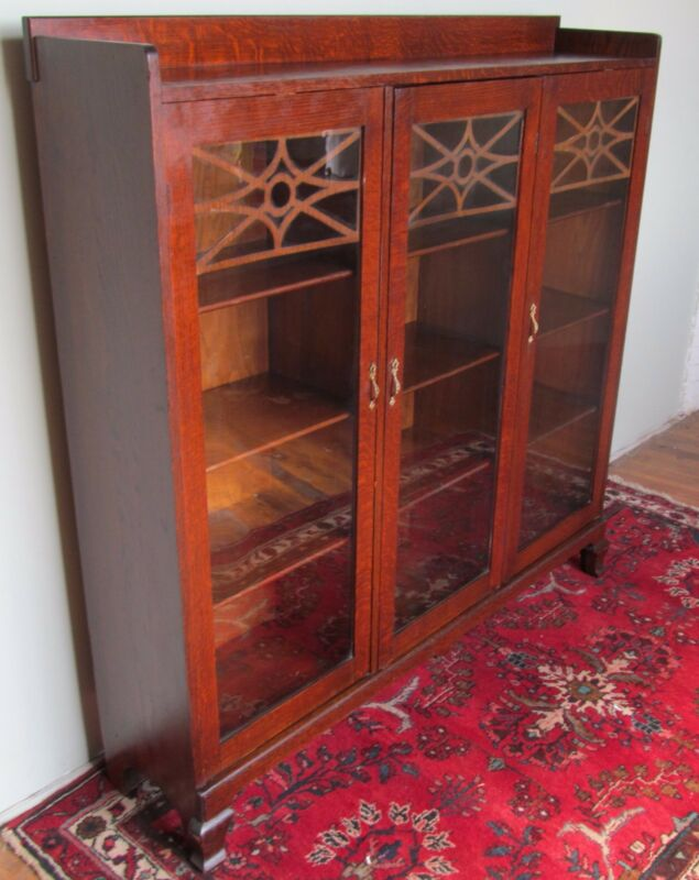VICTORIAN OAK ANTIQUE TRIPLE DOOR BOOKCASE WITH FINE FRETWORK ~ ORIGINAL GLASS