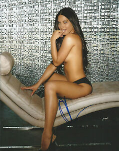 **GFA Sexy Movie Actress *OLIVIA MUNN* Signed 8x10 Photo MH2 COA**