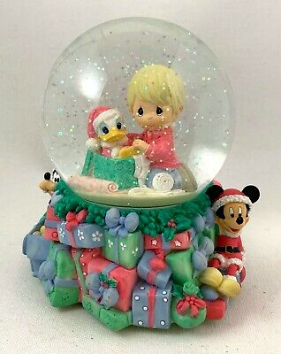 Disney Showcase Collection Precious Moments Christmas Musical Snow Globe 2006