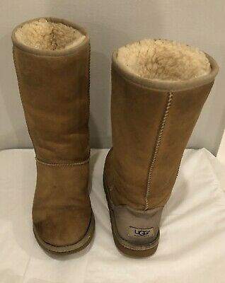 UGG Australia Women's Classic Chestnut 5815 Suede Boots Size 6