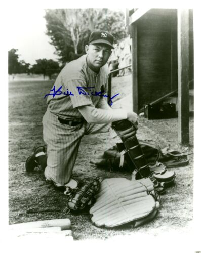 BILL DICKEY CATCHER NEW YORK YANKEES HALL OF FAMER AUTOGRAPHED 8 X 10 PHOTO