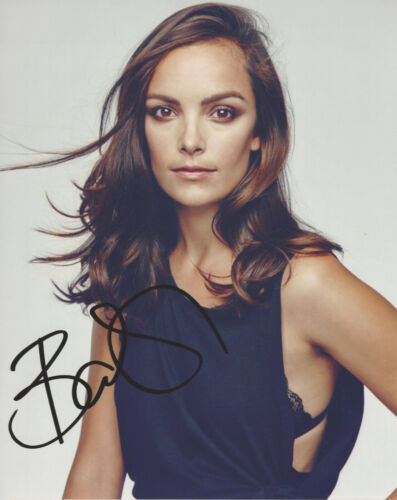 JODI BALFOUR SIGNED AUTHENTIC 'QUARRY' 8x10 PHOTO C w/COA ACTRESS THE CROWN