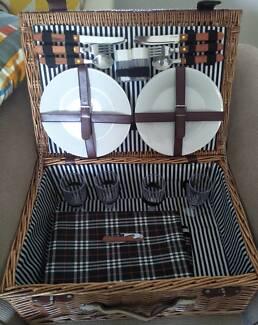 Good Quality Large Picnic Basket