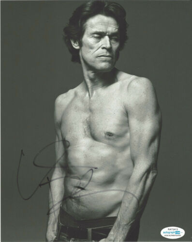 ACTOR WILLEM DAFOE SIGNED AUTHENTIC AUTOGRAPHED 'THE LIGHTHOUSE' 8x10 PHOTO ACOA