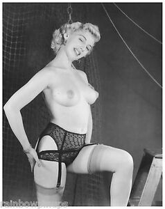 4x5-NUDE-1940s-1950s-BLONDE-w-PERKY-BREASTS-PUFFY-NIPPLES-Nylons-NUDES