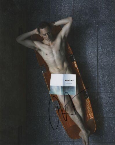 Tom Hiddleston Autographed Signed 8x10 Photo COA 2020-9