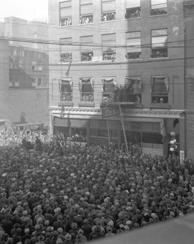 Harry Houdini Hanging In A Straight Vancouver  8x10 Photo Print